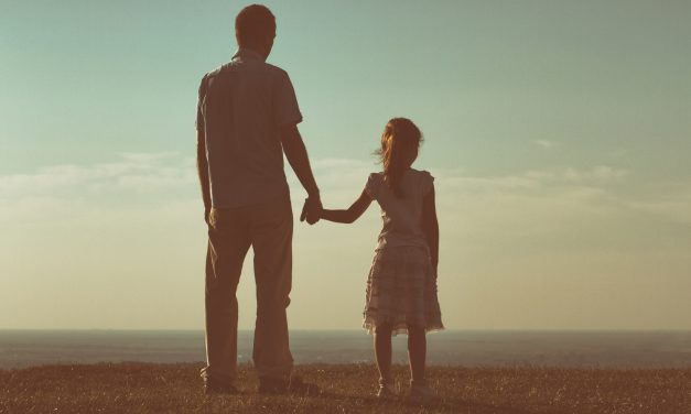 5 Things to Know About Dads of Daughters