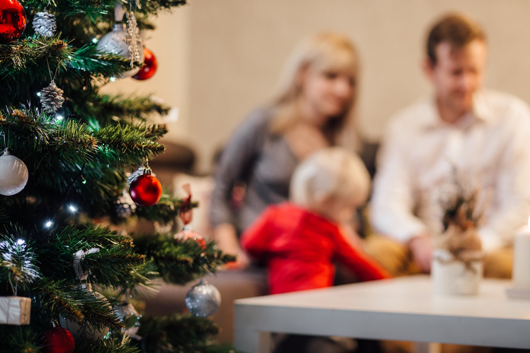 How to Have an Honest Conversation About Your Holiday Budget | Parent Cue Blog
