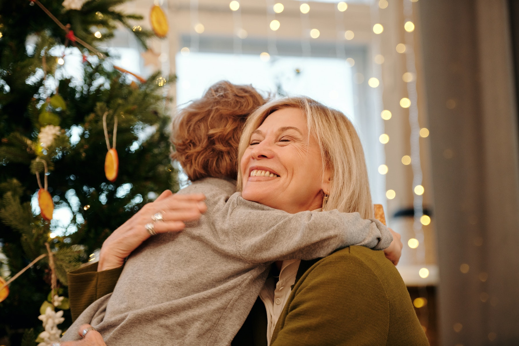 15 Traditions to Make Your Holiday Brighter | Parent Cue